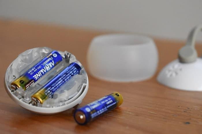 たねほおずきの電池の入れ方