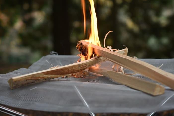 メッシュ焚き火台
