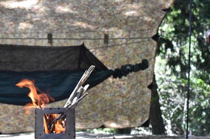 DDタープの下で焚き火はできる?