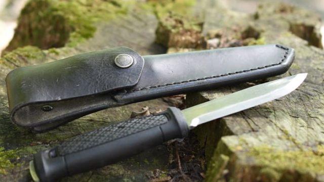 バドニングナイフ最強はフルタング!固い薪では安いナイフは折れる!?