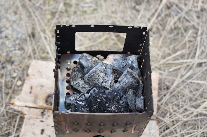 薪が入れやすく炭やアルコールも使える