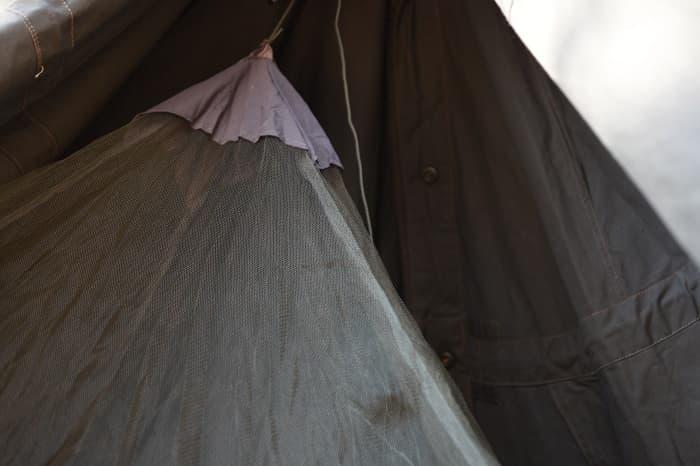 ポーランド軍ポンチョテントに蚊帳を入れてみた