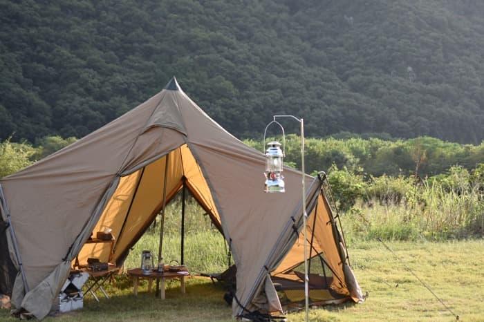 ランタンスタンドはキャンプで本当に必要か?