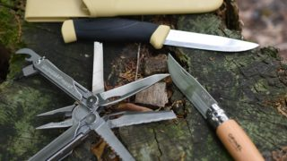 キャンプナイフ