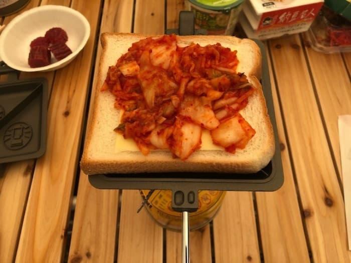 キムチとチーズのホットサンド