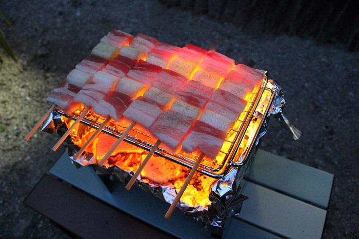 スマートグリルかまどで焼き鳥を焼いた