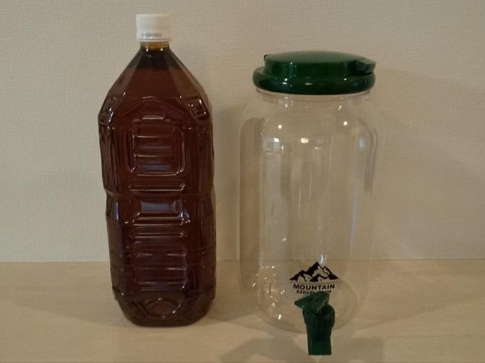 ダイソーウォータージャグと2Lのペットボトルを比較