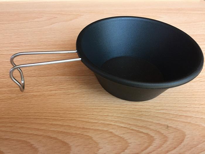 ダイソーのプラシェラカップ