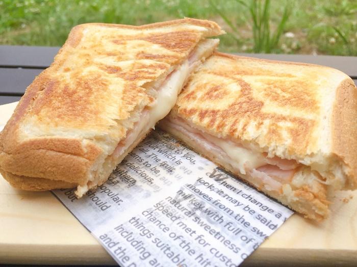 ハムチーズのホットサンド