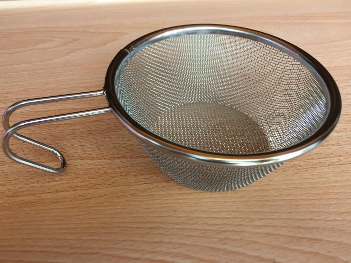 セリアのザル版のシェラカップ
