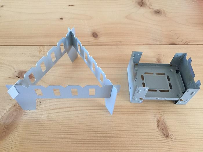 組み立てた状態のクッカースタンドとポケットストーブを比較