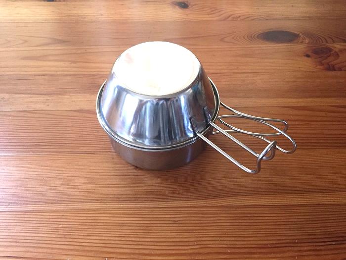 一つのシェラカップは蓋の代わり
