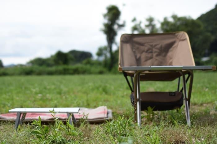 ハイスタイルとロースタイルのソロキャンプ向けテーブル