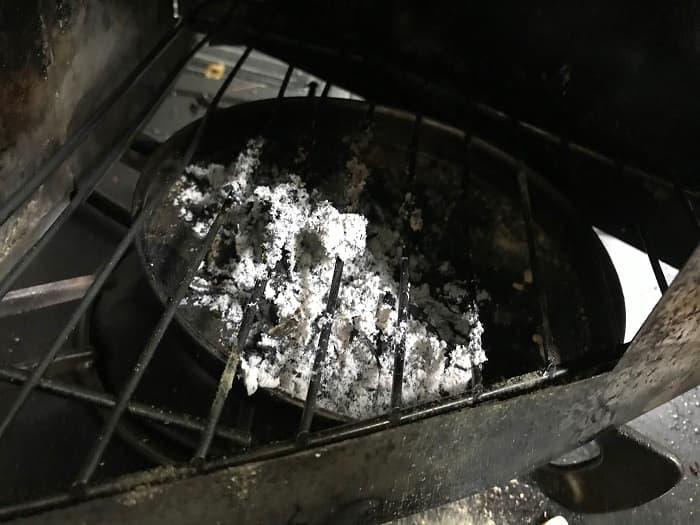スモークウッドが燃え尽きた状態