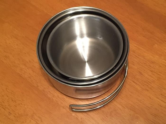 アマゾン格安クッカーの小鍋に100均クッカーの小さいサイズをスタッキング