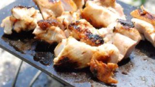 ヨコザワテッパンで肉を焼く