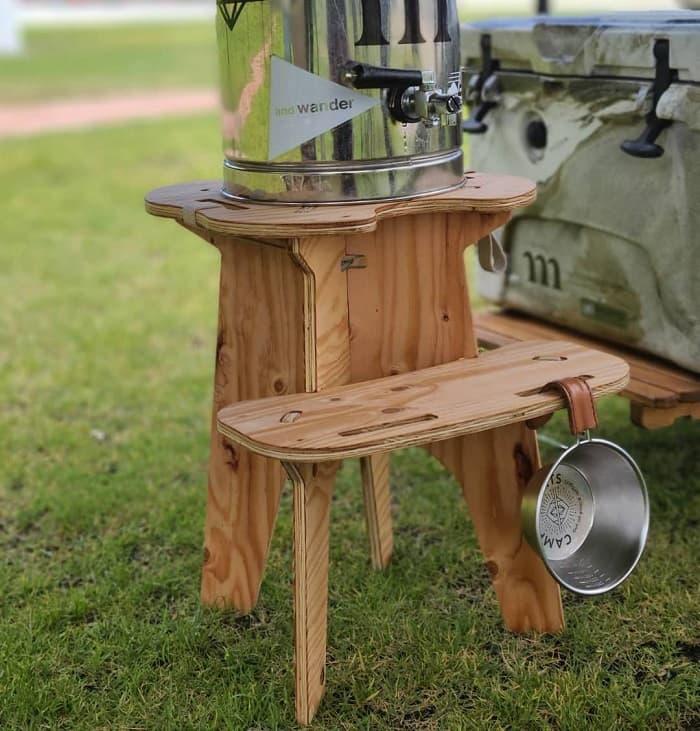 ジャグスタンドのカップ置く台やフック