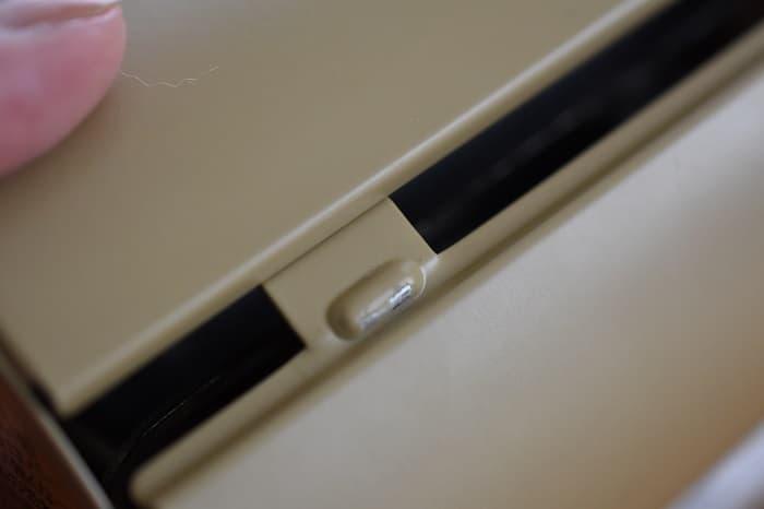 SnowPeek(スノーピーク)カセットコンロ「ホーム&キャンプバーナー」GS-600の容器カバーの突起