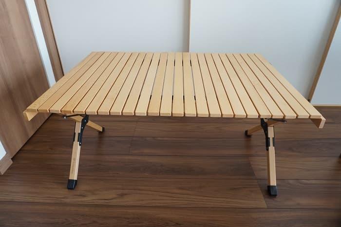 ハイランダーのロールトップテーブル