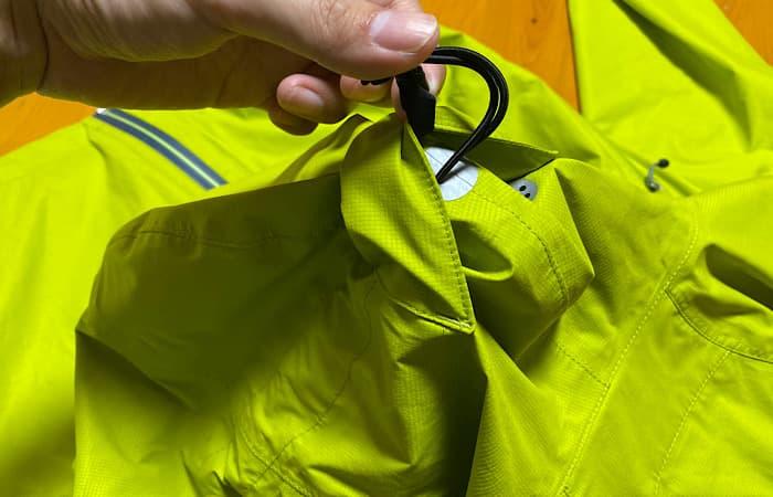 finetrackエバーブレスフォトンジャケットのフードのドローコード
