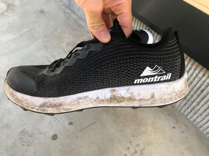 コロンビア「モントレイルF.K.Tライト」は汚れが目立つ