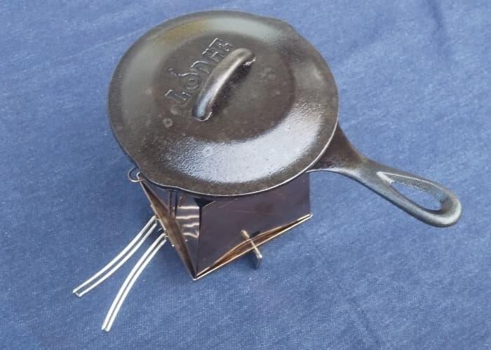 ユニフレーム(UNIFLAME)ネイチャーストーブ(No.683033)でスキレット料理