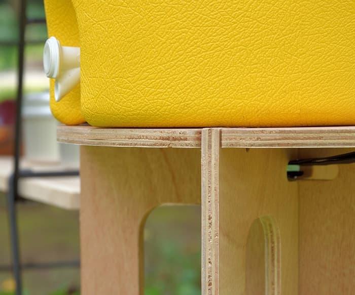おしゃれな木製ジャグスタンド