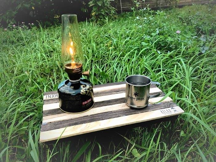 キャンプのテーブルを100均で自作!釘もトンカチも不要の簡単DIY!