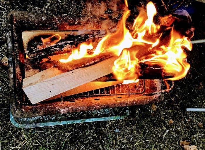 焚き火の火起こしに必要な3つのポイント