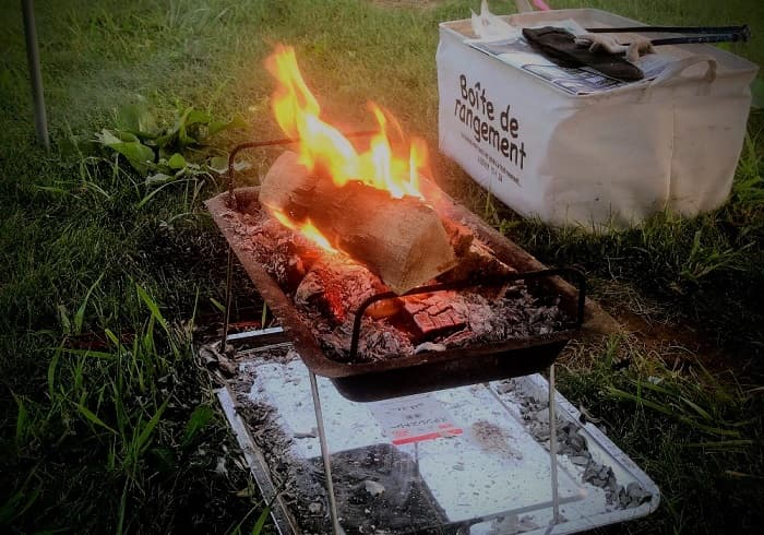 焚き火に火吹き棒は必要?