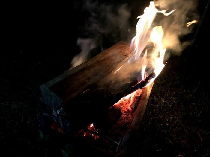 火吹き棒は焚き火に必要?セリアの長さ40cmの火吹き棒を使ってみたまとめ