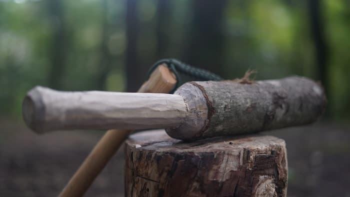 バトニング棒の作り方や適した素材と使い方のまとめ