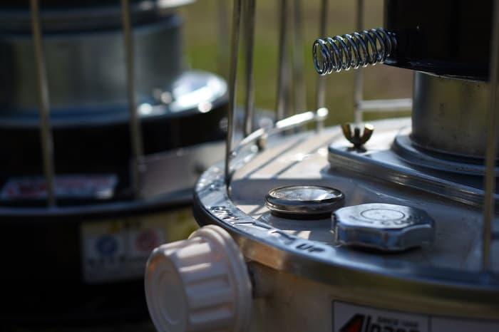 キャンプ1時間当たりの石油ストーブの燃費は?