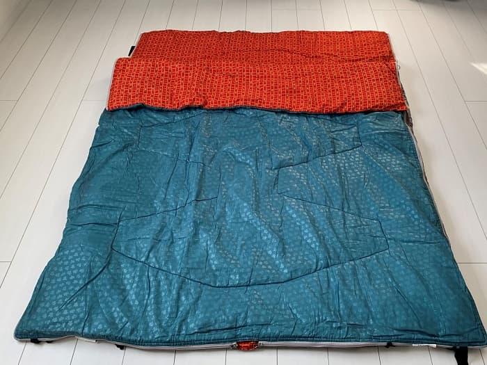 1つの大きな寝袋にする連結方法