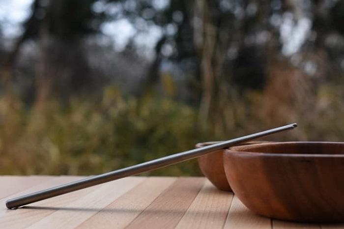 チタン箸はアウトドアにも最適