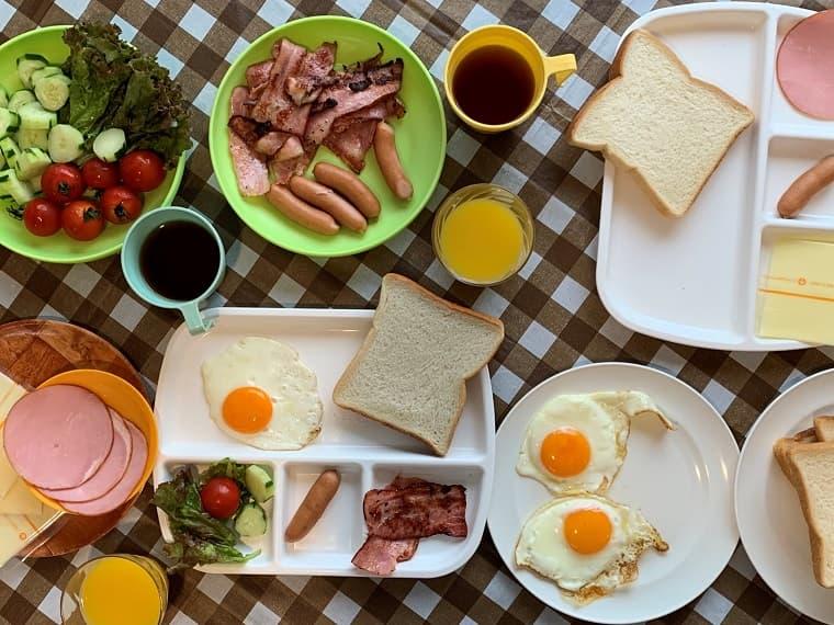 【100均】ファミリーキャンプで使える食器の使い方と選び方!