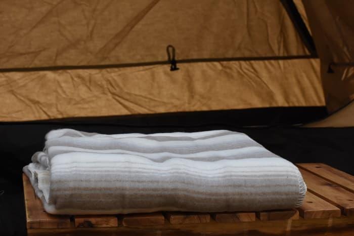 車中泊やキャンプ用の防寒アイテムは電気毛布がおすすめ!