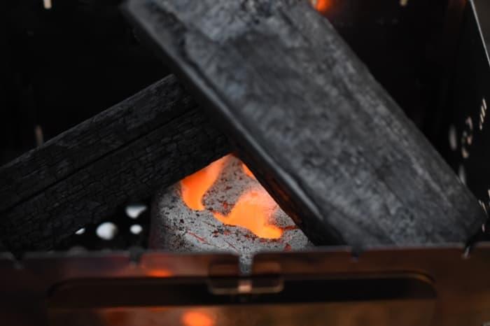エココロゴスは備長炭の火おこしにも使える