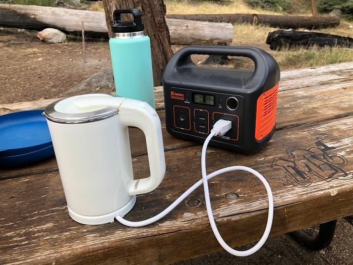 ポータブル電源で快適なキャンプや車中泊