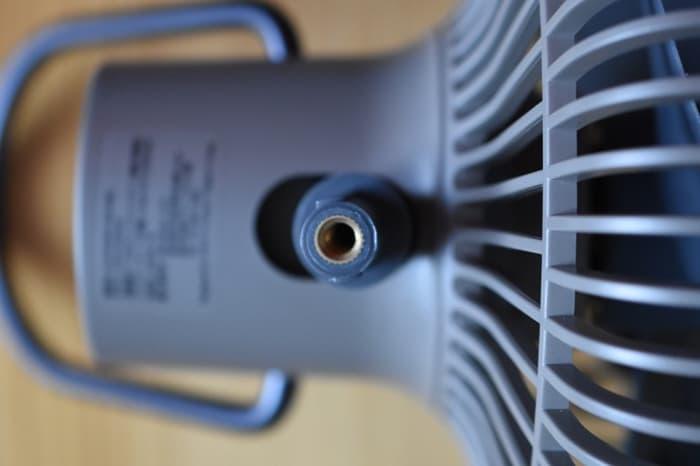 FAN V600付属の三脚のつけ方・外し方