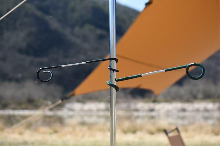 ランタンハンガーはキャンプで便利