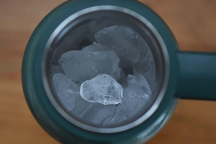 グロウラーで氷はどれぐらい持つ