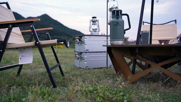 ハイランダーの木製囲炉裏テーブル(プライウッドヘキサゴンテーブル)の高さ