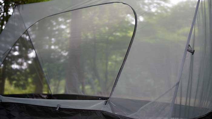 タープ泊で使用する吊り下げ式モスキートネットの選び方