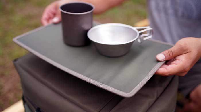テンマクデザインのソフトクーラー「野蔵」NOGURAの天板テーブル