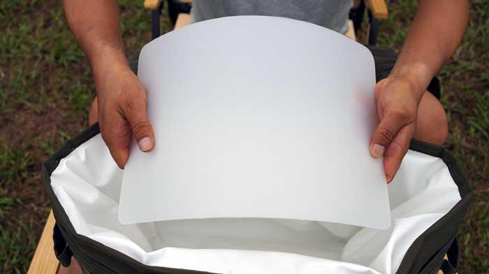 テンマクデザインのソフトクーラー「野蔵」NOGURAの底板の入れ方