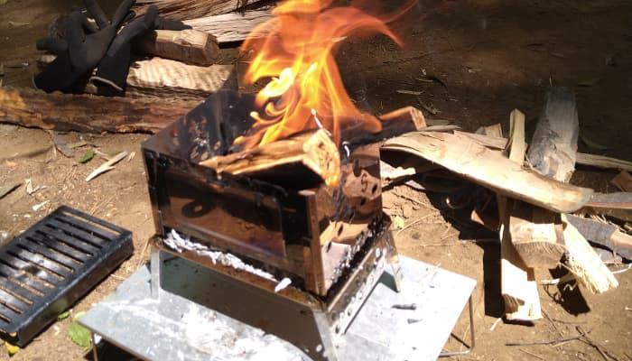 キャンプツーリングに合った焚き火台