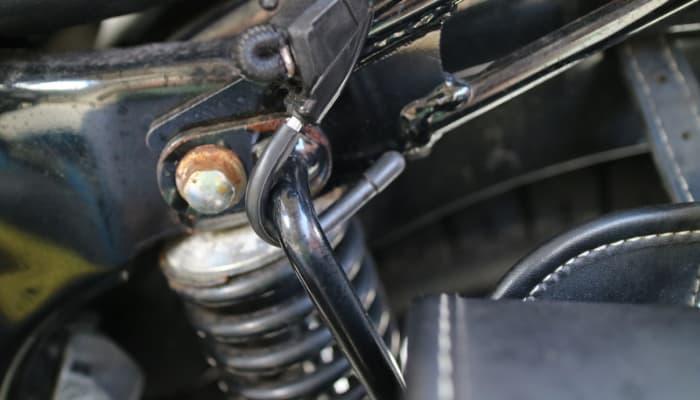 バイクへのキャンツーバックの積載方法