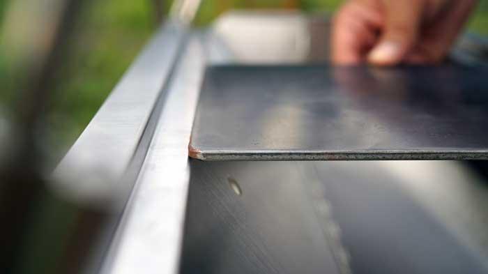UNIFLAME(ユニフレーム)焚き火ベースsoloに合う鉄板