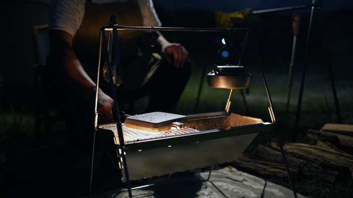 UNIFLAME(ユニフレーム)焚き火ベースsoloとケトルとホットサンドメーカー